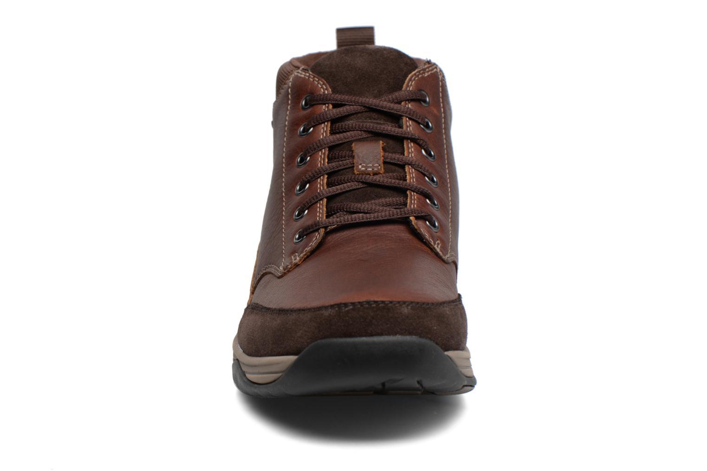 Bottines et boots Clarks BaystoneTopGTX Marron vue portées chaussures
