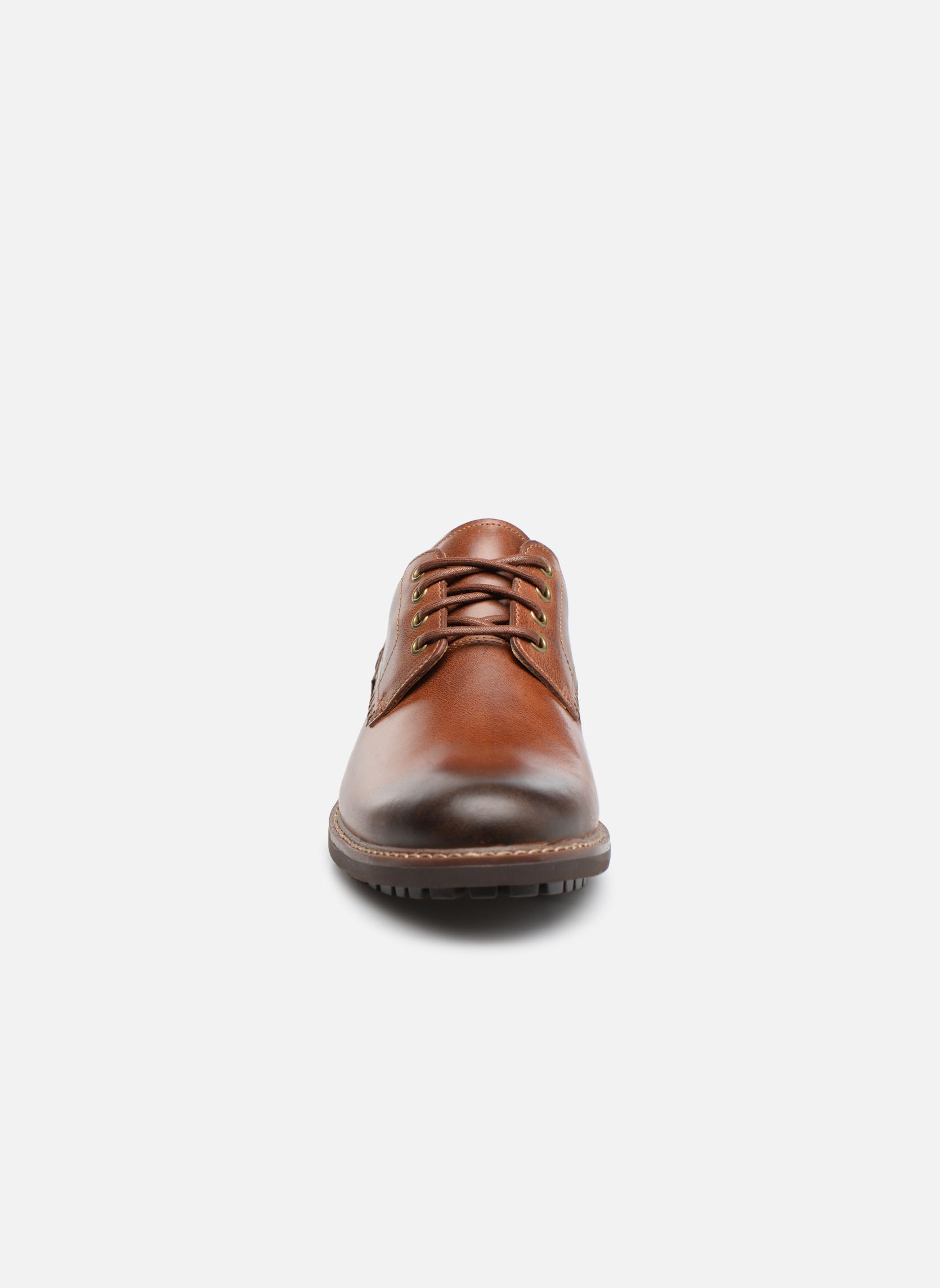 Chaussures à lacets Clarks Montacute Hall Marron vue portées chaussures