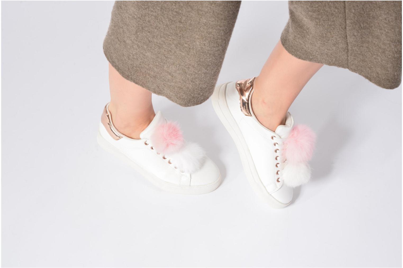 Baskets I Love Shoes Mc Etapom Blanc vue bas / vue portée sac