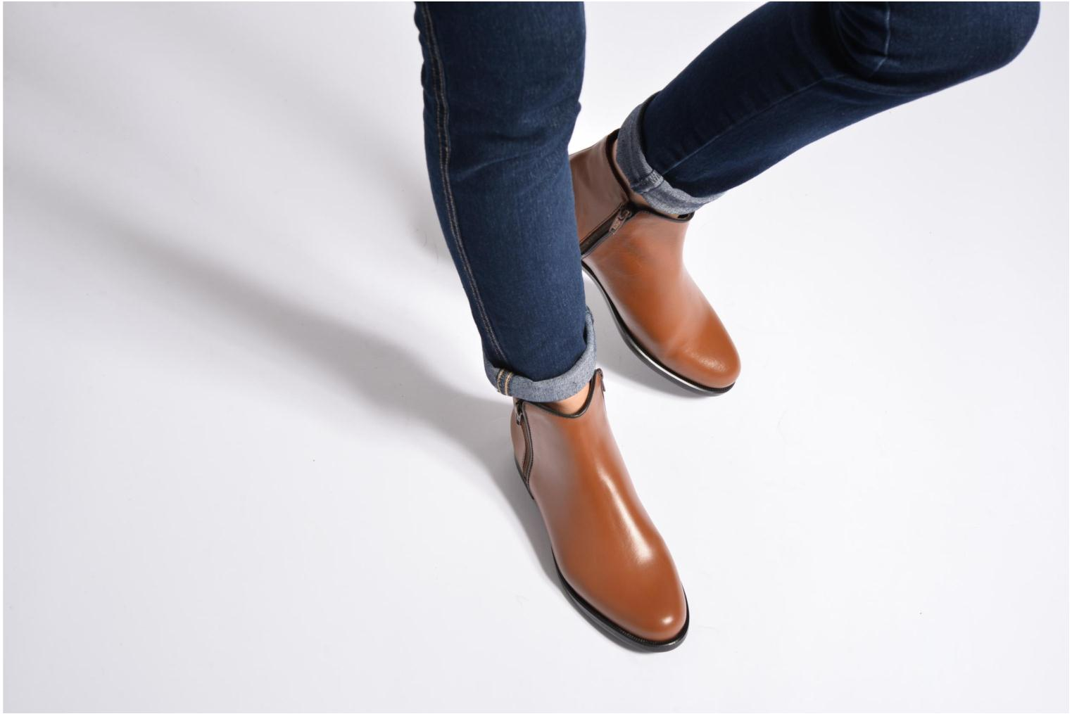 Ankle boots PintoDiBlu Andreala Brown view from underneath / model view