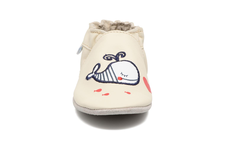 Chaussons Robeez Love Mum Beige vue portées chaussures