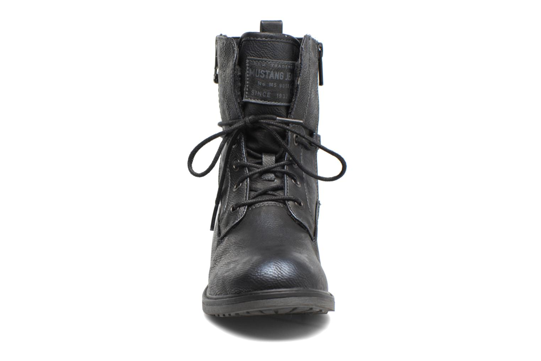Bottines et boots Mustang shoes Sarliath Bleu vue portées chaussures