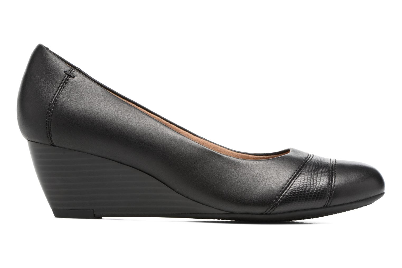Brielle Tacha Black leather