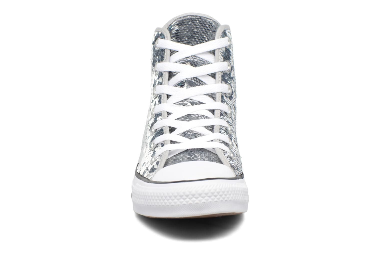 Sneakers Converse Chuck Taylor All Star Sequins Hi Argento modello indossato
