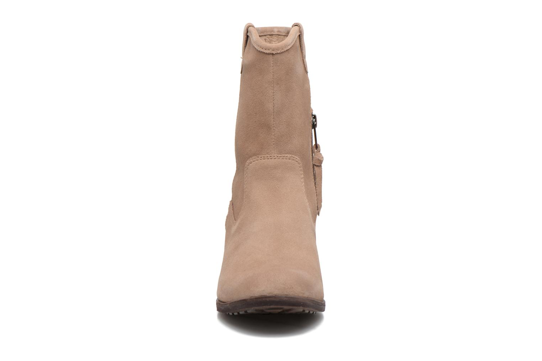Boots UGG Briar Beige bild av skorna på
