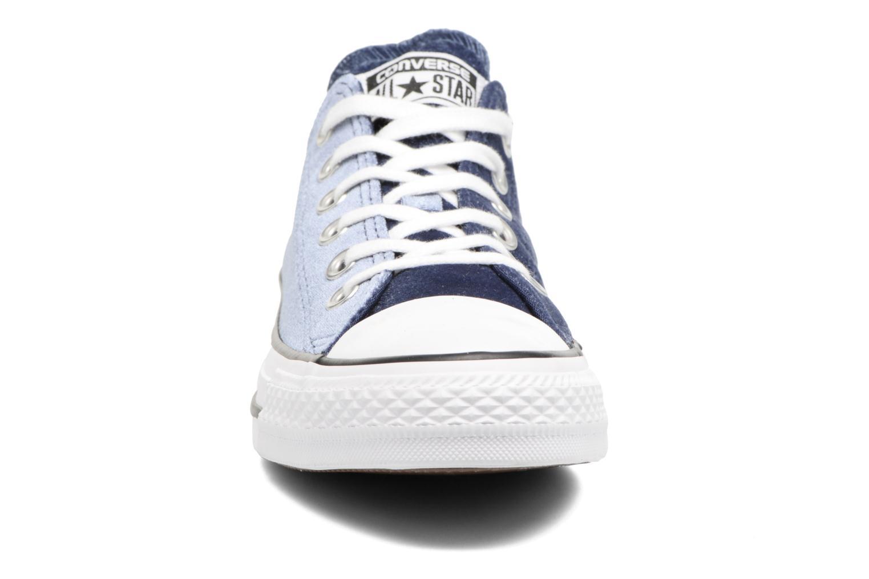 Baskets Converse Chuck Taylor All Star Velvet Ox Bleu vue portées chaussures