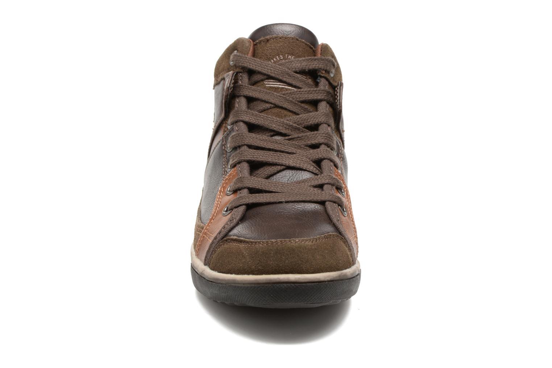 Baskets Xti Loupa 53867 Marron vue portées chaussures