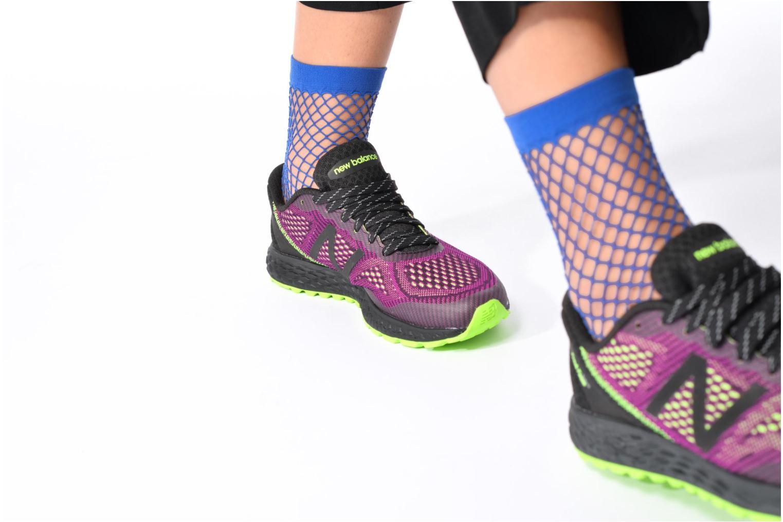 Chaussures de sport New Balance WTGOBI Violet vue bas / vue portée sac