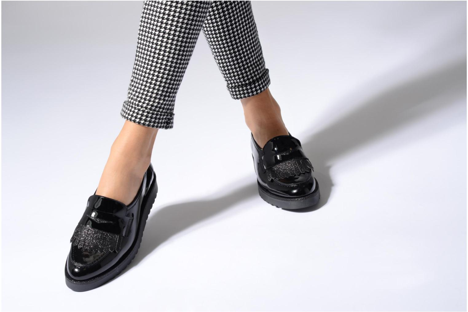 Loafers Georgia Rose Gerald Black view from underneath / model view