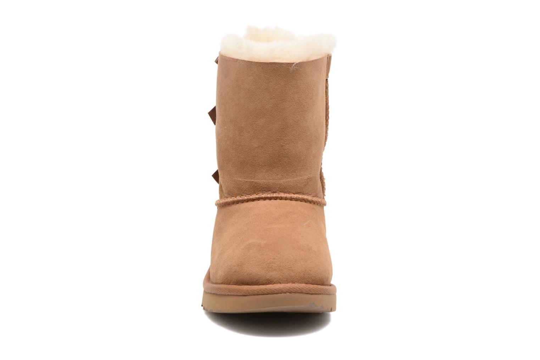 Bottes UGG Bailey Bow II K Marron vue portées chaussures