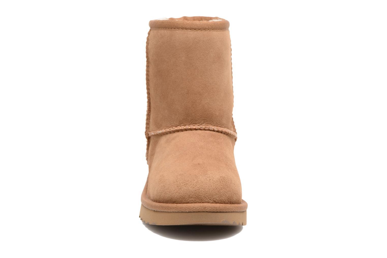 Bottes UGG Classic II Marron vue portées chaussures