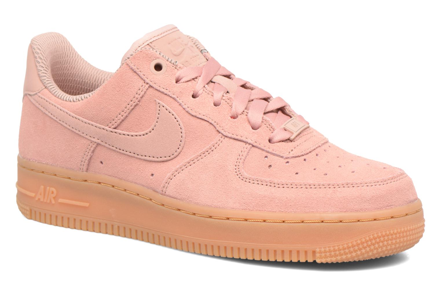 Baskets Nike Wmns Air Force 1 '07 Se Rose vue détail/paire
