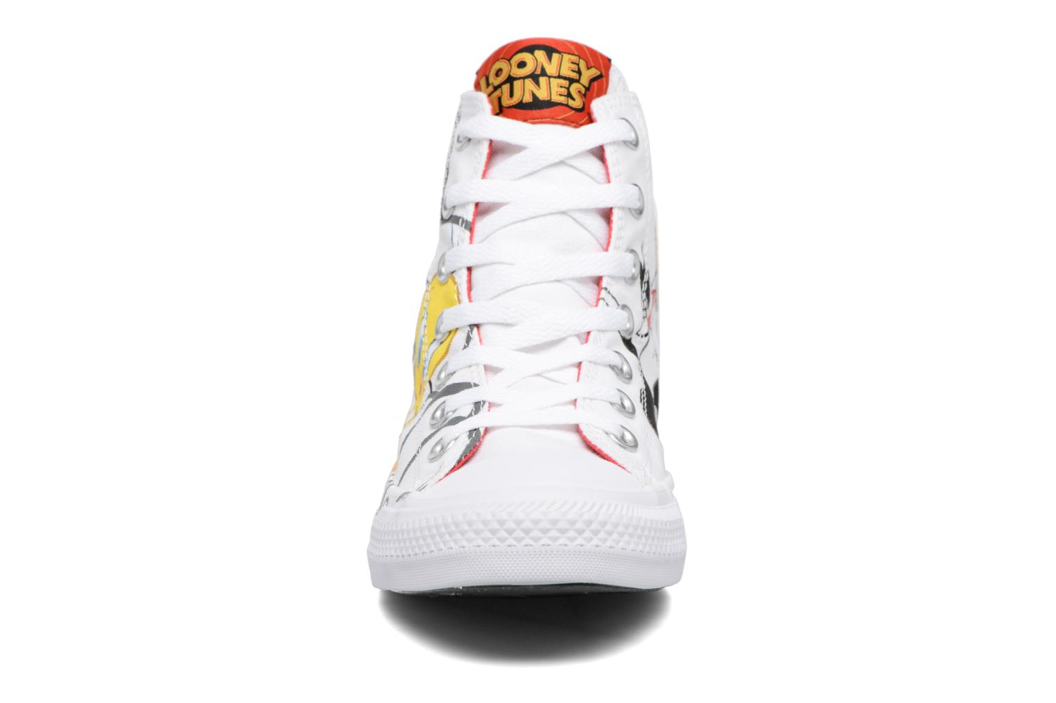 Baskets Converse Chuck Taylor All Star Looney Tunes Hi W Blanc vue portées chaussures