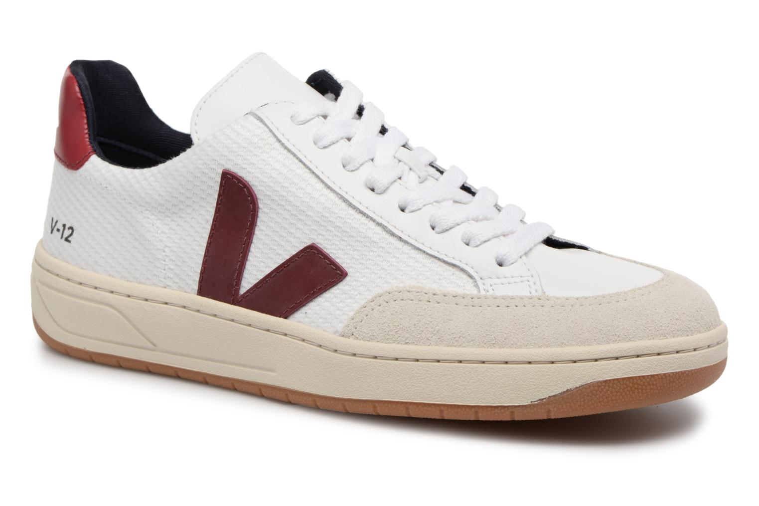 Trainers Veja V-12 W Beige detailed view/ Pair view