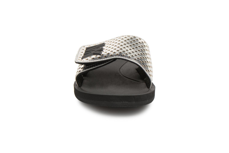 Mules et sabots Michael Michael Kors MK Slide Argent vue portées chaussures