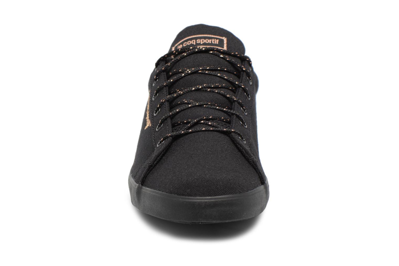 Baskets Le Coq Sportif Aagate Lo Cvs/Metallic Noir vue portées chaussures