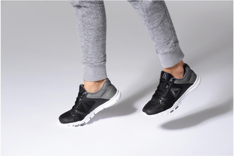 Chaussures de sport Reebok Yourflex Trainette 10 Mt Gris vue bas / vue portée sac