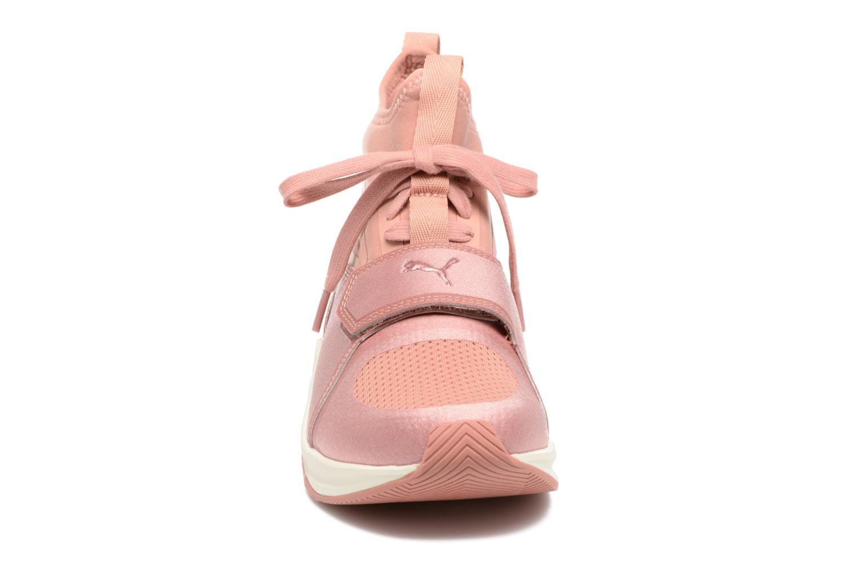 Chaussures de sport Puma Phenom Rose vue portées chaussures