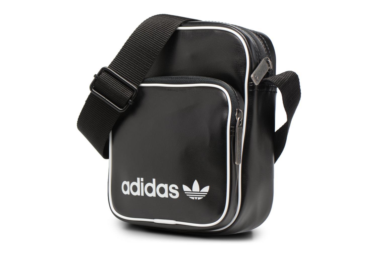 Borse uomo Adidas Originals Mini Bag Vint Nero modello indossato