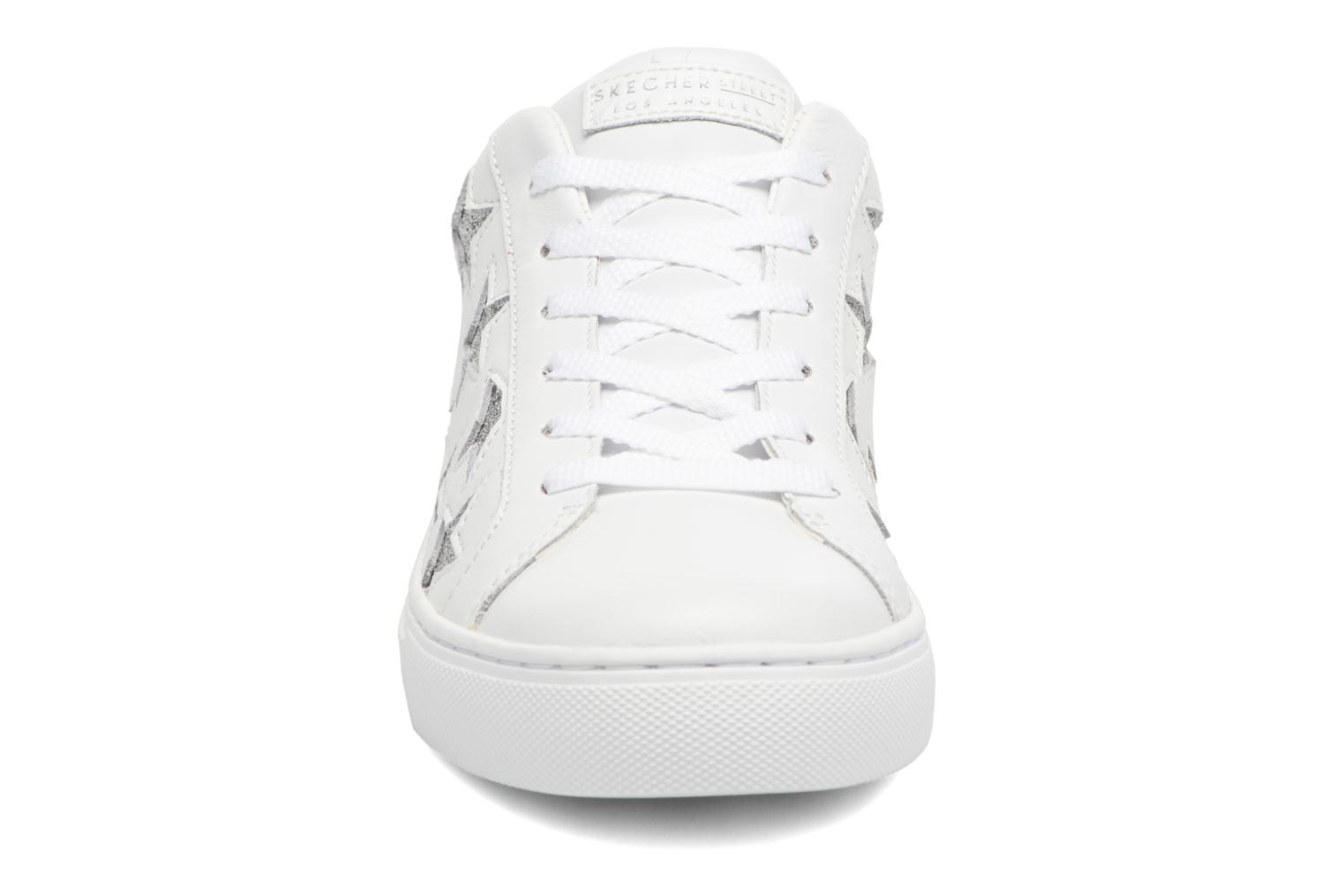 Baskets Skechers Side Street-Star Side Blanc vue portées chaussures