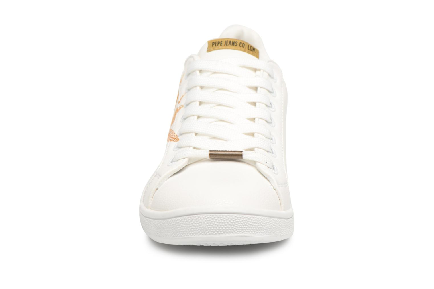 Baskets Pepe jeans Brompton Embroidery Blanc vue portées chaussures