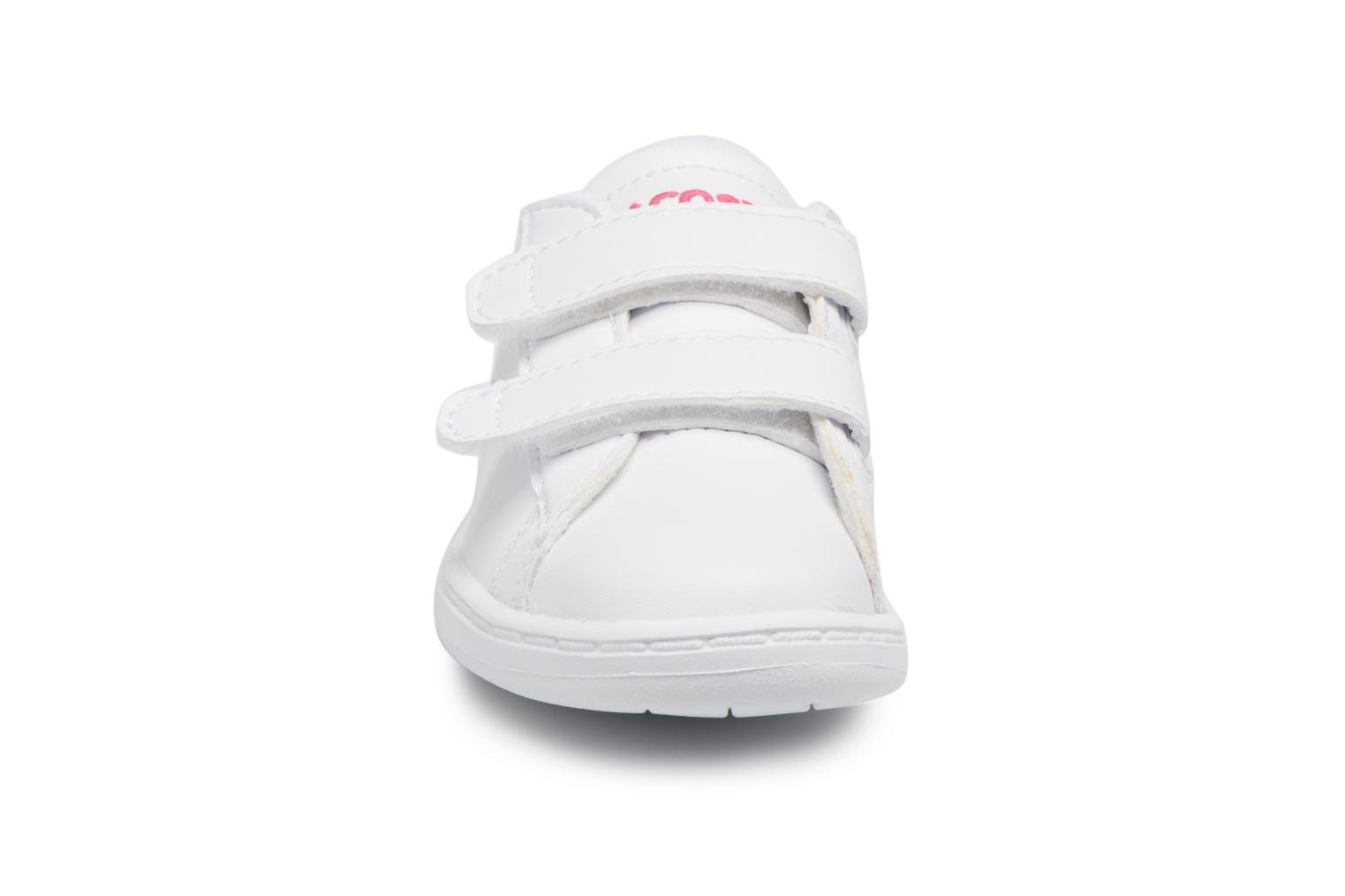 Baskets Lacoste Carnaby Evo BL 1 Inf Blanc vue portées chaussures
