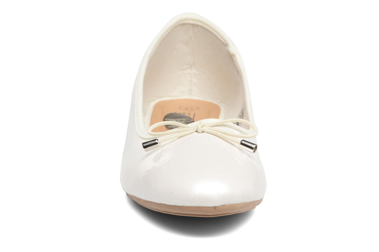 THAVE 2 Size + BEIGE PATENT