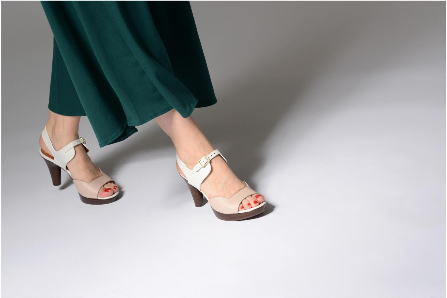 Sandals Chie Mihara Loteria32 Beige view from underneath / model view