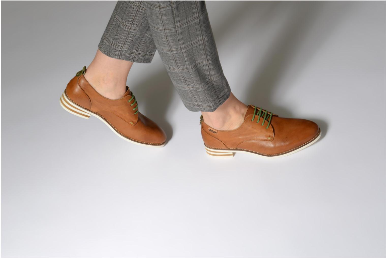 Chaussures à lacets Pikolinos ROYAL W3S / 4552 brandy Marron vue bas / vue portée sac