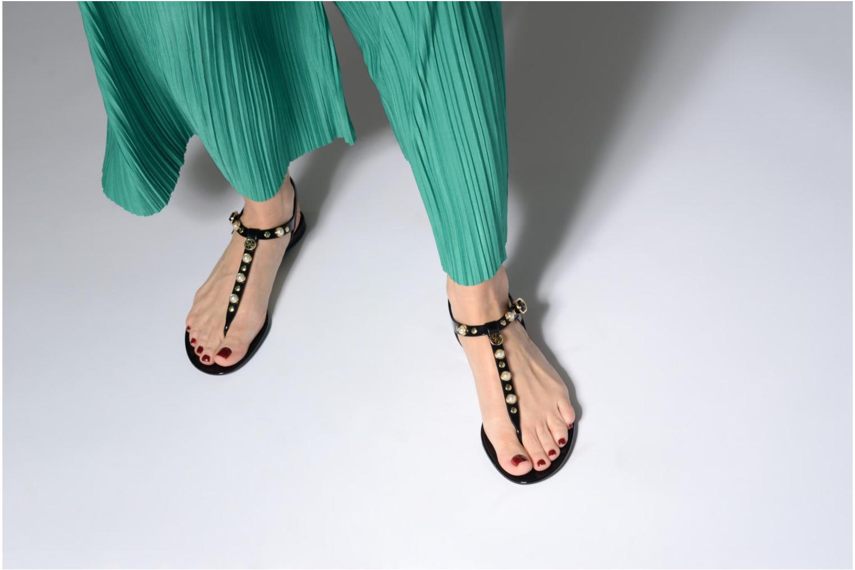 Zapatos especiales para hombres y mujeres Guess JANAYE (Negro) - Sandalias en Más cómodo