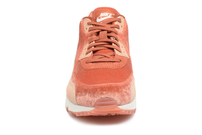Baskets Nike Wmns Air Max 90 Lx Orange vue portées chaussures