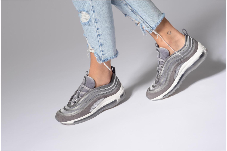 Sneaker Nike W Air Max 97 Ul '17 Lx grau ansicht von unten / tasche getragen