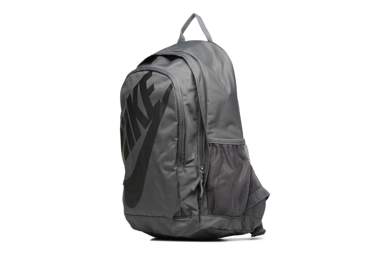 Rucksäcke Nike Nike Sportswear Hayward Futura Backpack grau schuhe getragen