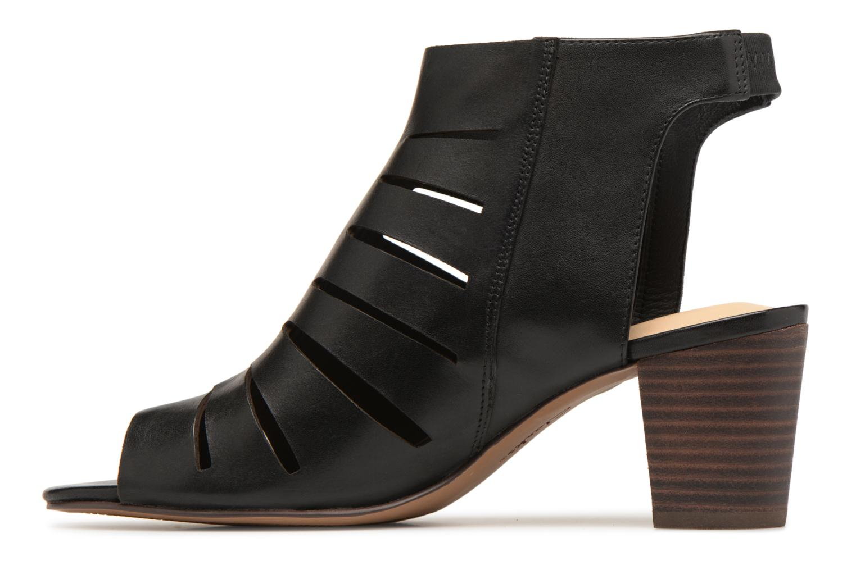 Deloria Ivy Black leather
