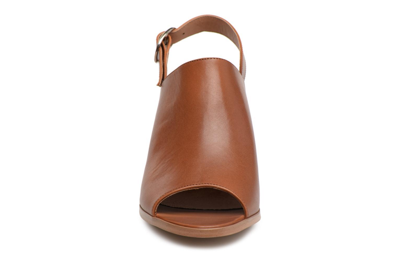 Sandales et nu-pieds Georgia Rose Ezabia Marron vue portées chaussures