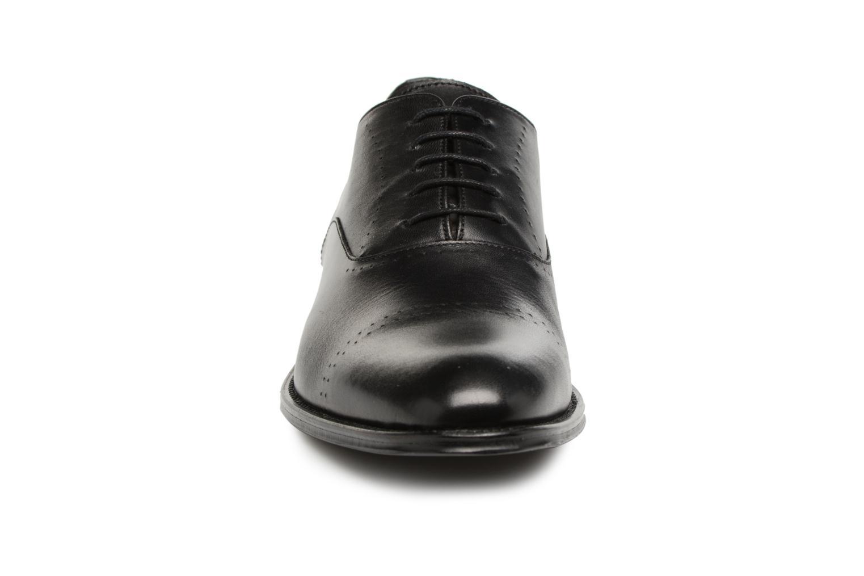 Scarpe con lacci Marvin&Co Rothmot Nero modello indossato