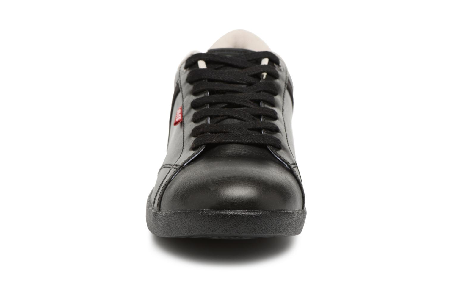 Trainers Levi's Loch Derby Black model view