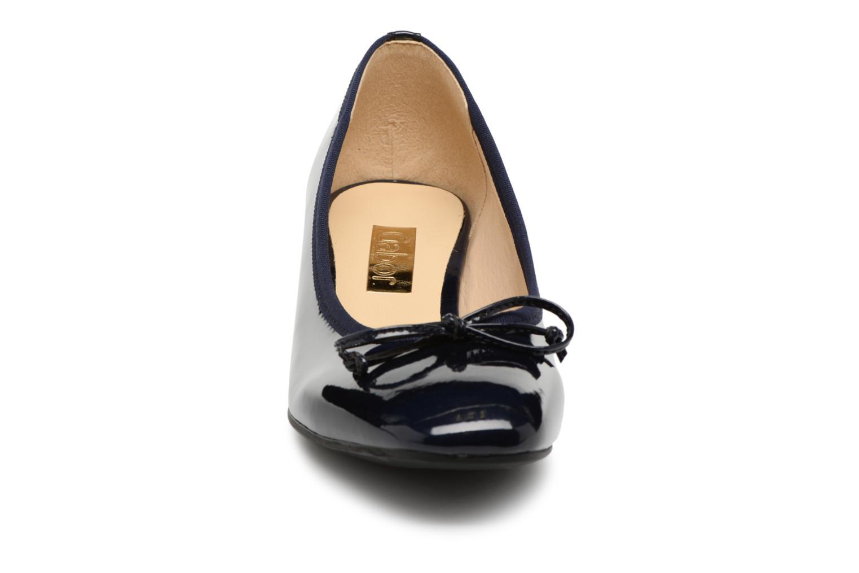 Ballerines Gabor Gigi Bleu vue portées chaussures