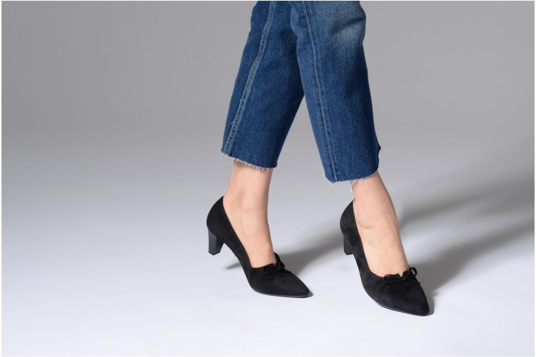 High heels Gabor Valeria Black view from underneath / model view
