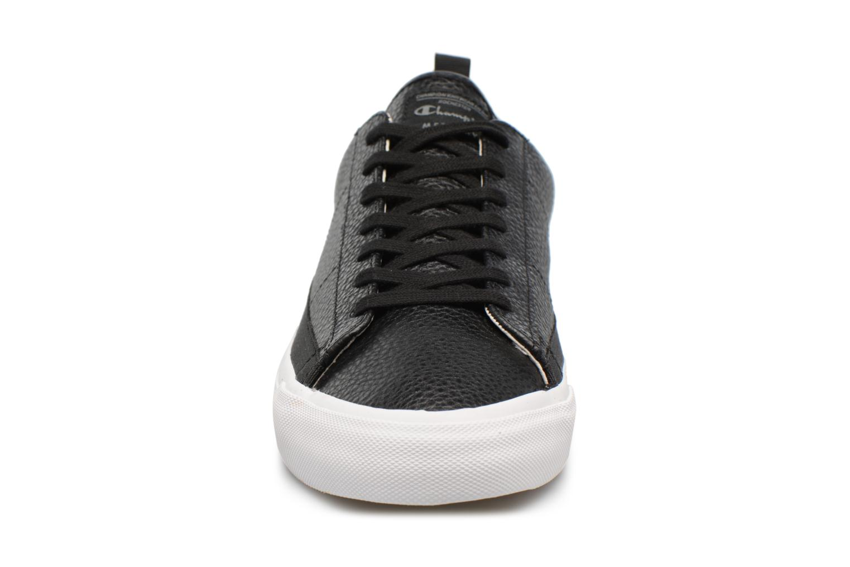 Baskets Champion Low Cut Shoe MERCURY LOW LEATHER Noir vue portées chaussures