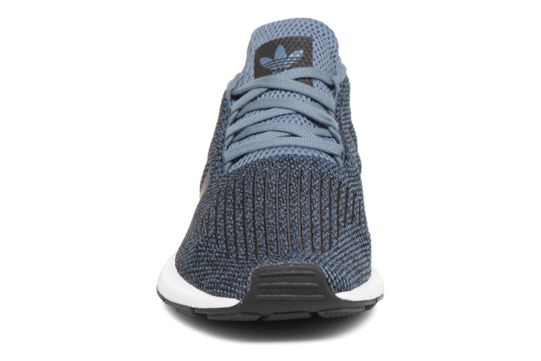 Sneakers Adidas Originals Swift Run J Blå bild av skorna på