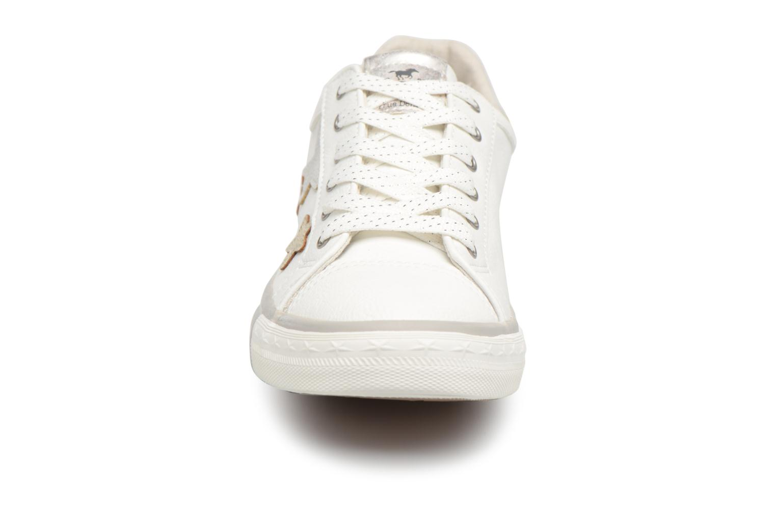 Baskets Mustang shoes Willoti Blanc vue portées chaussures