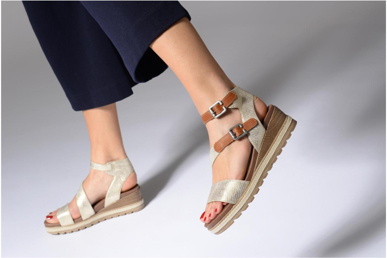 Sandales et nu-pieds Remonte Idal D6351 Beige vue bas / vue portée sac