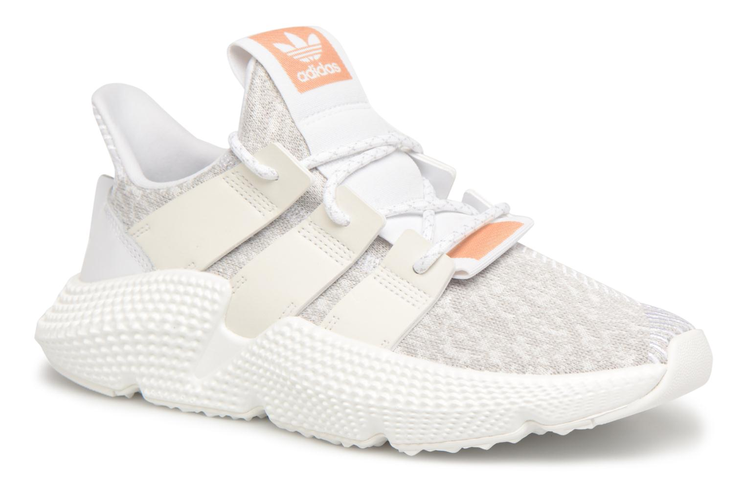 Baskets Adidas Originals Prophere W Blanc vue détail/paire