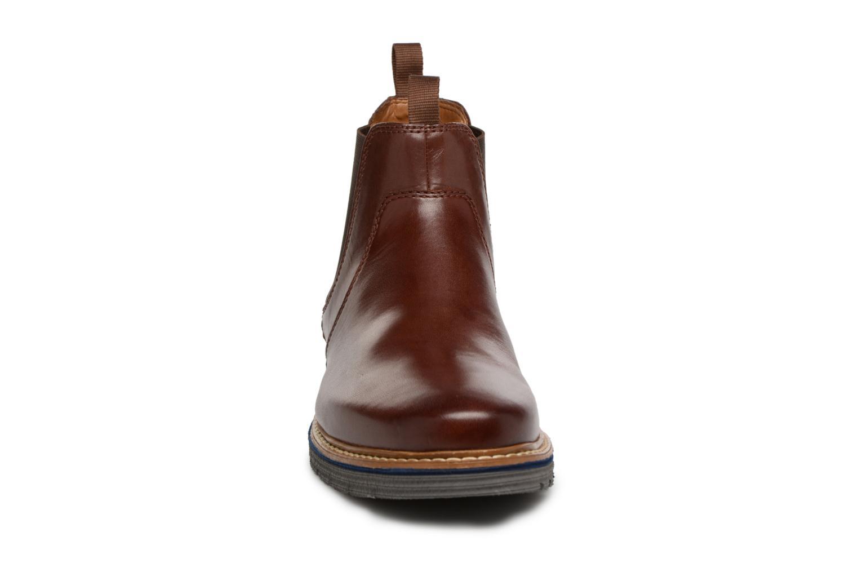 Bottines et boots Clarks Newkirk Hill Marron vue portées chaussures