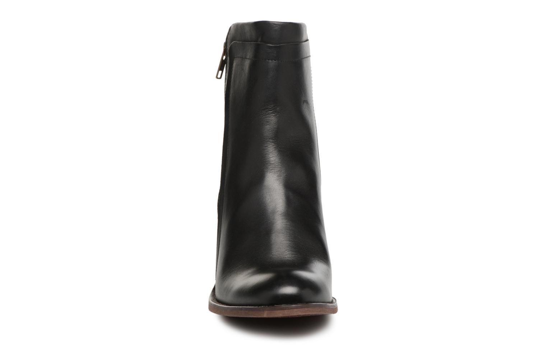 Bottines et boots Kickers JESSY Noir vue portées chaussures