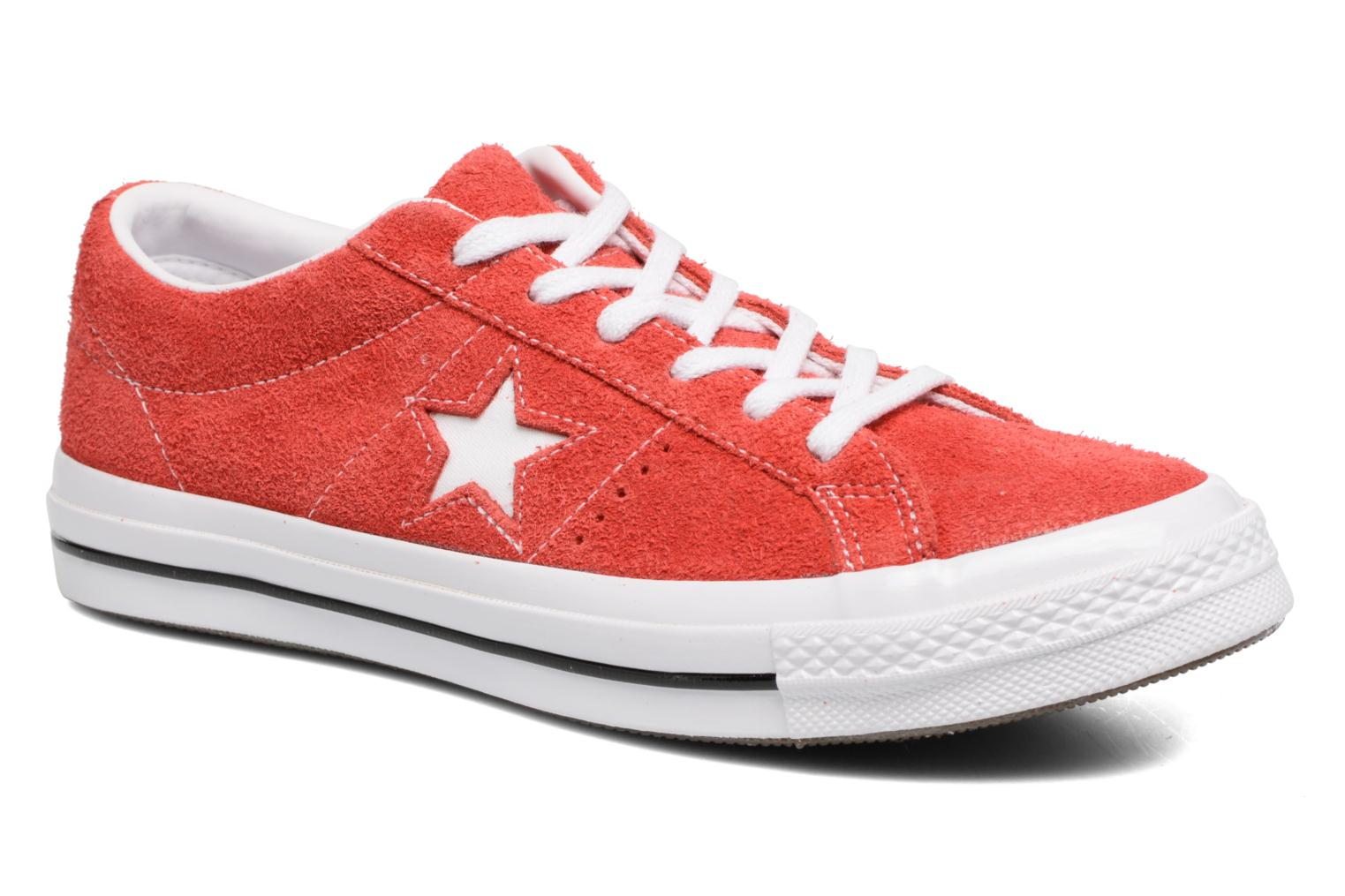 Baskets Converse One Star OG Suede Ox W Rouge vue détail/paire
