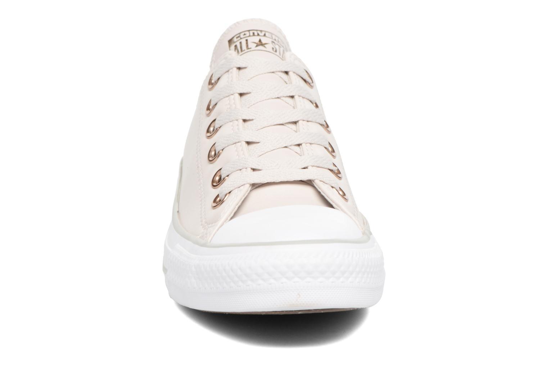 Baskets Converse Chuck Taylor All Star Craft SL Ox Beige vue portées chaussures