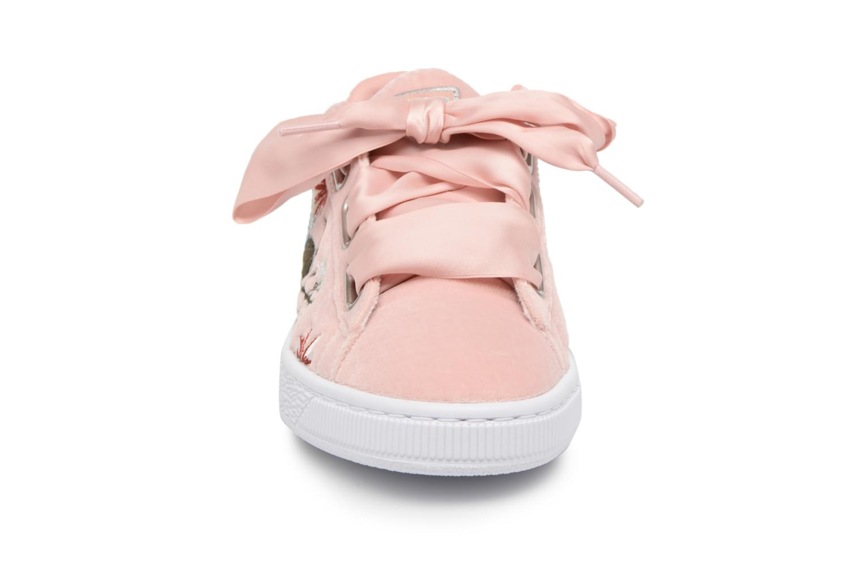 Baskets Puma Suede Heart Hyper Emb Rose vue portées chaussures