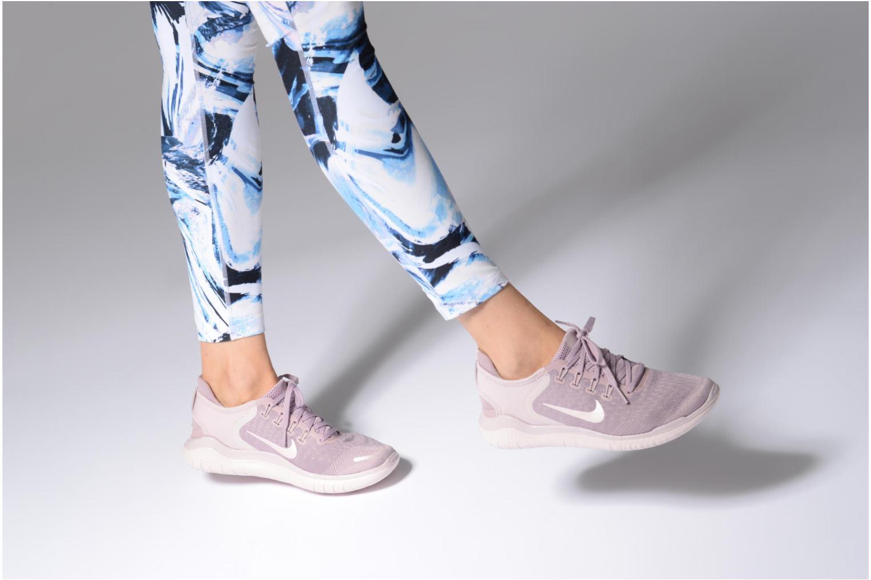 Chaussures de sport Nike Wmns Nike Free Rn 2018 Rose vue bas / vue portée sac